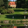 Luxusní golfový zážitek na zámku Štiřín. 18 jamek, oběd v hodnotě 130 Kč, vířivka 30 min., sauna 30 min.Sleva 50%. Cena celkem - 590 Kč.