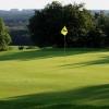 Vychutnejte si golfovou idylu s obědem v Hořehledech. Green fee 18 jamek, výběr z denního menu a slevu 45% můžete využít až do konce srpna.