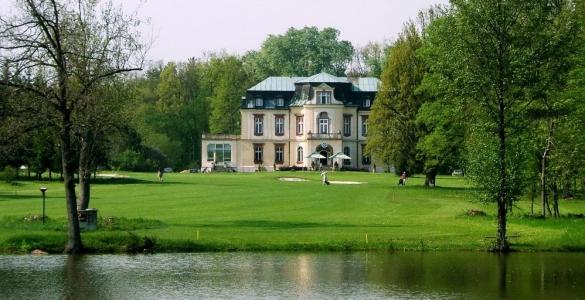 All-inclusive golf v Myštěvsi - 18 jamek, oběd, hra na HCP a 2 koše míčů, sleva 48%!